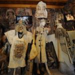 Los Hani y sus trajes de corteza