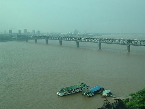 Puente sobre el r�o Yangtze en Wuhan
