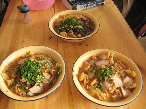 Platos de fideos en Guilin