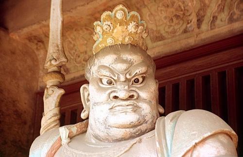 Escultura en el Monasterio Shuanglin