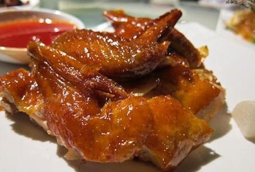 Pollo crujiente al estilo cantonés