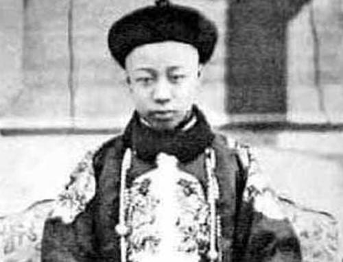 Cien años de la caída del imperio chino