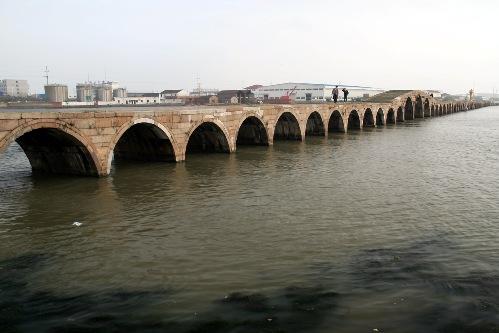 El Puente Baodai, monumento de China
