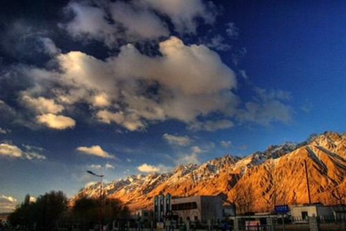 Taxkorgan y la cordillera del Karakoram