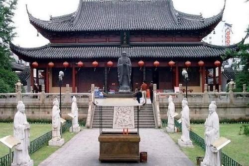 El templo de Confucio y sus aledaños, en Nanjing