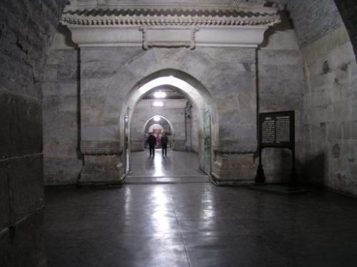 Interior de la Tumba Dingling